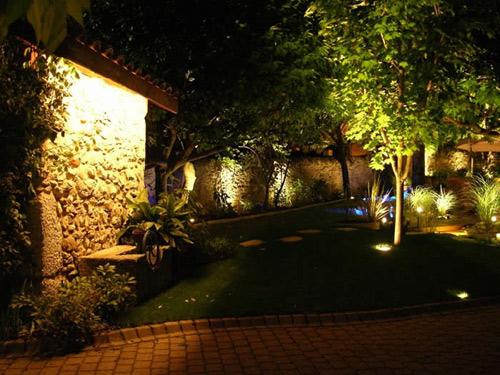 eclairage-jardin-nuit
